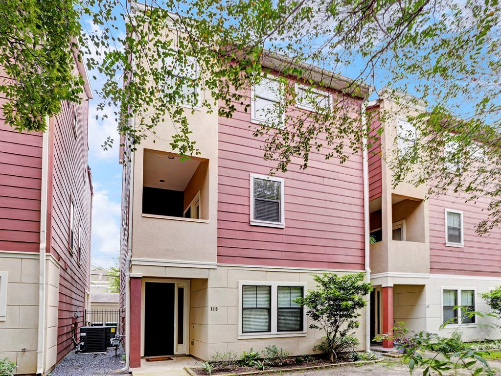 Meticulously maintained contemporary single-family home in the heart of the Heights! Welcome home to this gorgeous property that is within walking distance to all that the Heights has to offer! Enjoy the perfect view of Downtown Houston from your rooftop terrace! Three full bedrooms, each with a private bath + Open concept floor plan with high ceilings and hardwood floors. Stainless steel appliances, granite countertops, large walk-in pantry. New Washer + Dryer installed! Home is tucked away in a private community and shares a green space courtyard, and has a 2 car attached garage. A must see!