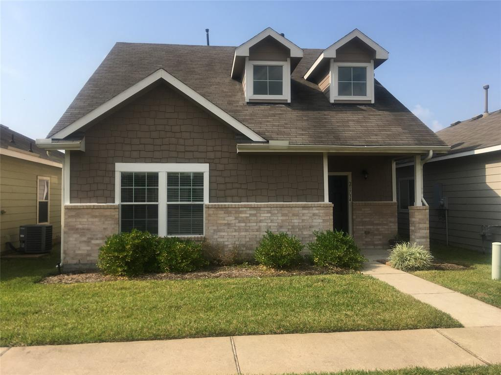 This is a 4/2 1/2 bath home that has just been redone. You will feel like it is brand new. Fresh interior paint, carpet, plus more makes this one special. This property is not going to last long. You can be the lucky homeowner to call it yours. Can close quickly. It is ready to go! Gas cook top, large utility room, master down with 3 bedrooms up plus a game room. You have to see it to believe it.
