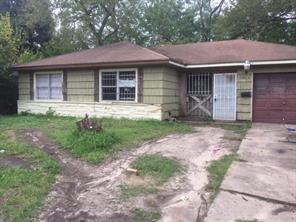 7826 e belbay street e, houston, TX 77033