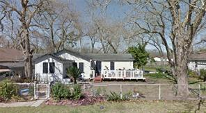 118 w orchard street, clute, TX 77531