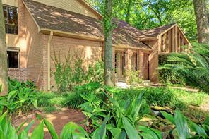 Houston Home at 110 Lakeside Oaks Drive Houston , TX , 77042-1033 For Sale