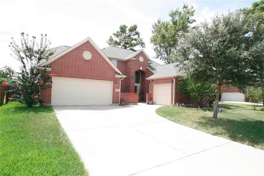 Beautiful 5 Bedroom 4 Bath Home in Klein ISD with 3 Car Garage, Grand Entrance, Island Kitchen with Granite Counter Tops, Stainless Appliances, Breakfast Bar, 2 Bedrooms Down, High Ceilings, Master with Separate Walk In Shower and Jetted Tub, 2 Separate Vanities, Study Nook Upstairs, Great Price, Grab it Now!