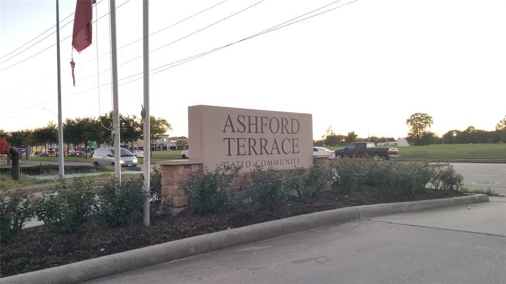 12616 Ashford Shadow Drive, Houston, TX 77072