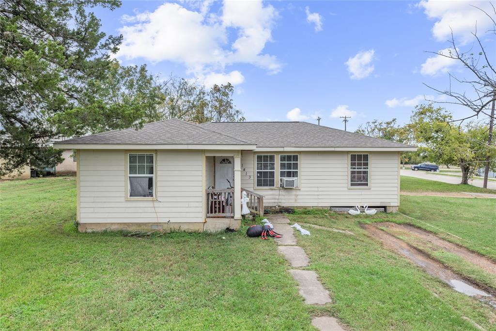 1413 Sandy Point Road, Bryan, TX 77803