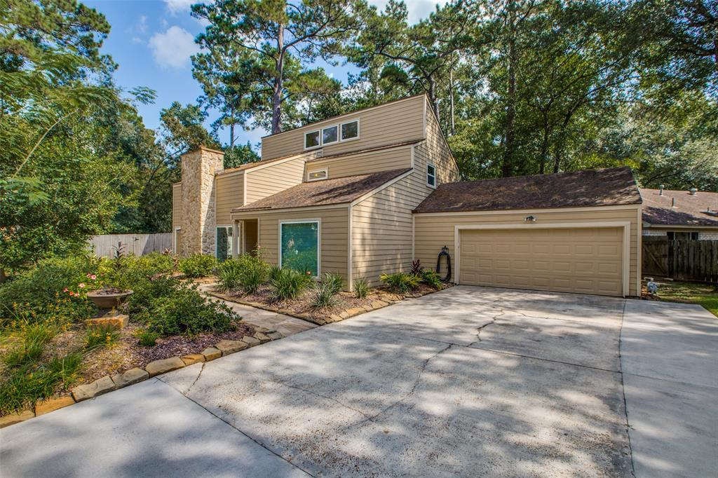 BEAUTIFULLY UPDATED HOME ON CUL-DE-SAC LOT IN THE HEART OF THE WOODLANDS! UPDATES INCLUDE GRANITE COUNTERS, CUSTOM CABINETS, STAINLESS APPLIANCES, LIGHTING FIXTURES, GRANITE IN THE BATHROOMS, OVERSIZED DECK, BEAUTIFUL LANDSCAPING AND MORE! MINUTES FROM THE WOODLANDS WATERWAY, RESTAURANTS, PAVILION, MALL AND I-45