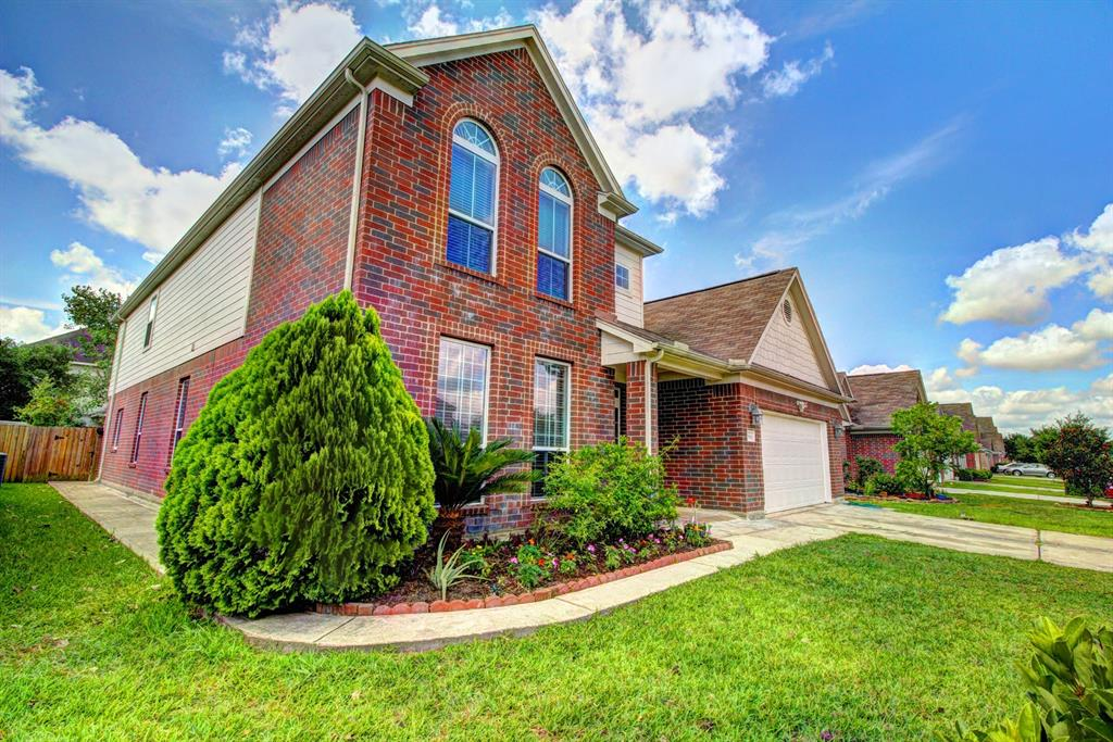 This property has never flooded and was high and dry during Hurricane Harvey!! Beautiful home in a well established community priced to sell. This great home has much to offer including: 5 full bedrooms, 3 1/2 bathrooms, formal dining & formal Living, family room with gas fireplace, game room. Kitchen with 42' cabinet, tile backsplash. First floor with New tile, New laminate in family area & master bedroom. Water softener for whole house. New oven & microwave. Kitchen with New sink, Interior with new paint. Covered patio