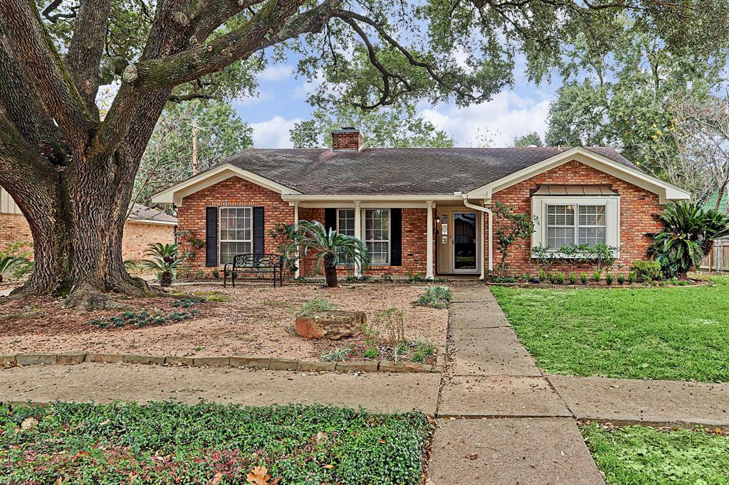 A wonderful rental well located within highly sought after Shepherd Park Plaza! Be in the center of exciting Christmas lights throughout the subdivision. Available now! Just completed updated extensive rock/shrub landscaping. Shaded under a grand oak, this 3 bedroom is light filled and offers numerous updates. Recent hardwood-look tile flooring in formals and bedrooms. Convenient half bath in utility. Detached 2 car garage, gazebo in fenced back yard. Landlord provides washer/dryer/frig and microwave as a courtesy. Pets on a case by case basis. No large aggressive breeds. No smokers.