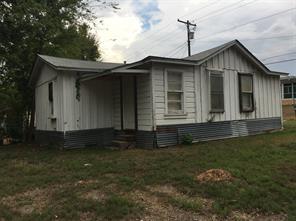 801 Roden, Gladewater, TX 75647