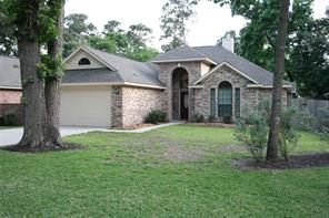 Nice/newer one story home located on a culdesac within Walden on Lake Conroe; section pool is just down the street.