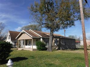 1300 burbank street, baytown, TX 77520