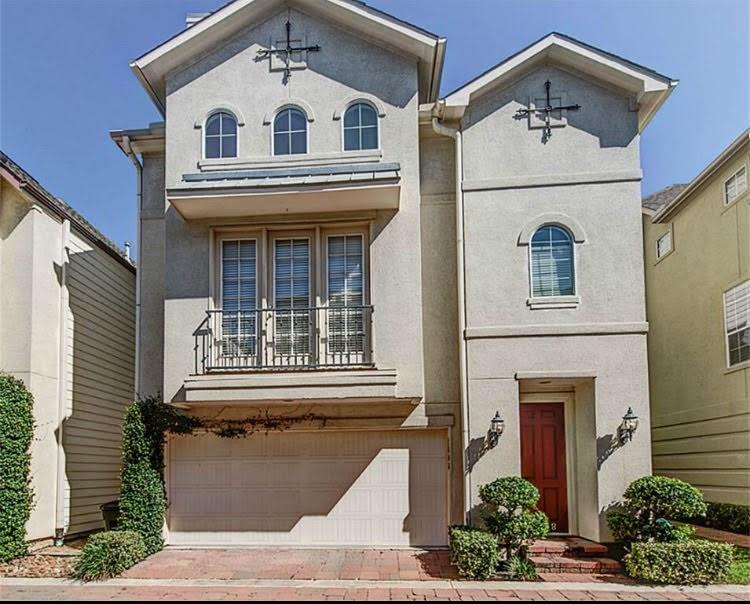 Gorgeous free-standing home in a beautiful gated community in Cottage Grove area. Perfect for entertaining, boasting large rooms with high ceilings and open plan living. Sunken Living with sun light and overlooking dining room. Gorgeous private master suite on 3rd floor with huge walk in closet and designer master bathroom. Stainless steel appliances, wood floors, crown molding, granite counters, kitchen island.  This property includes refrigerator, washer/dryer as well as trash, water/sewer and outside maintenance.  Great location in the heart of Memorial park, Washington Ave, Galleria, Heights and Downtown. House did not flood.