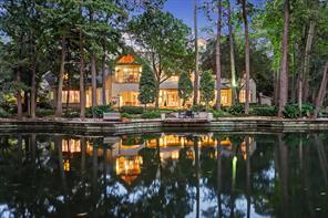 30 Robinlake Lane, Houston, TX 77024