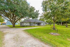 617 County Road 941D, Alvin, TX 77511