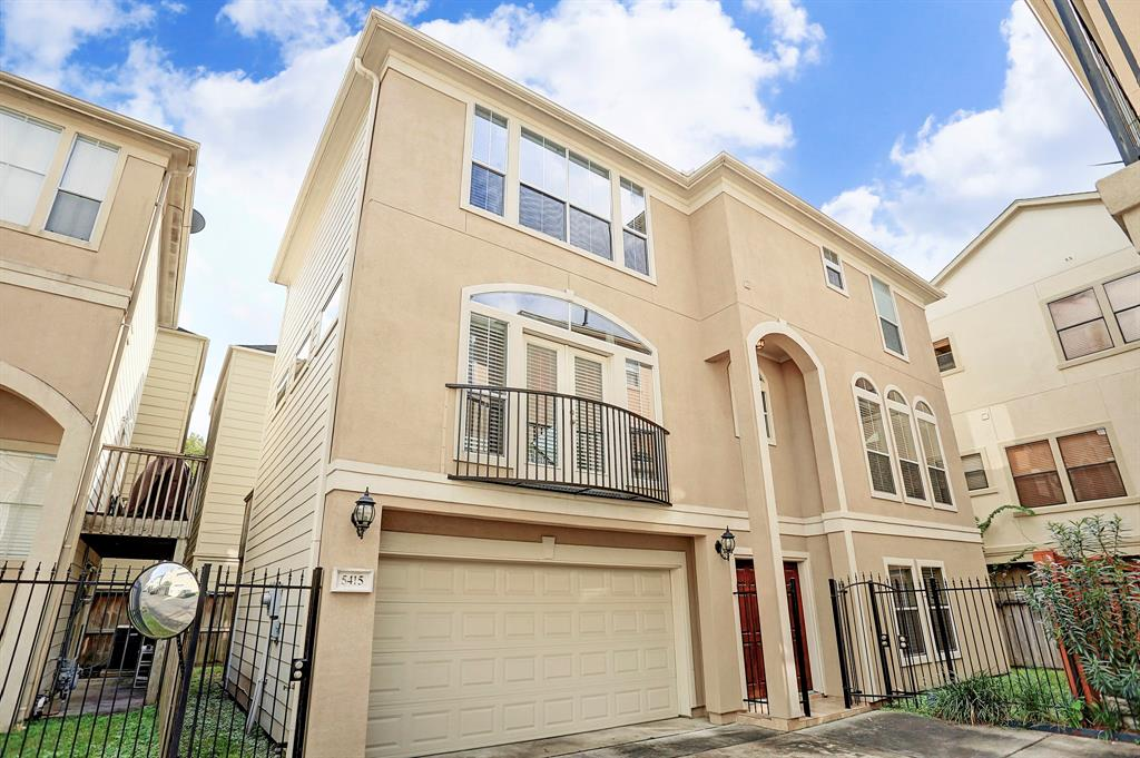 Wonderful 3 bedroom, 2 & 1/2 bathroom, free standing home conveniently located in Rice Military/Washington Corridor with easy access to Downtown, River Oaks, Montrose, The Heights, and I-10. Walking distance to Memorial Park &  Eleanor Tinsley Park. Home offers large updated kitchen/dining area combo, light & bright living room with access to balcony. Third floor master retreat with spacious bedroom, grand bath with double sinks, shower, whirlpool tub, walk-in closet with custom built-ins & utility room located on the same floor. First floor offers secondary bedrooms, full bath and access to back & side yards with patio. Refrigerator, and washer/dryer are included.