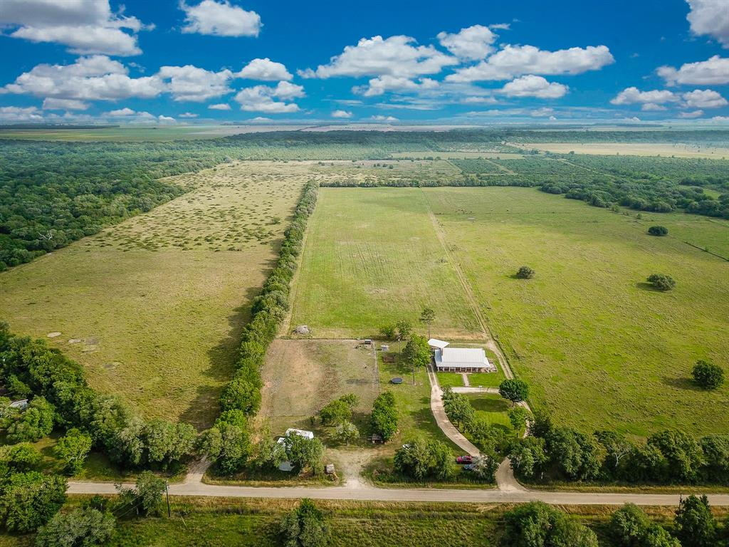 4394 County Road 384, Louise, TX 77455