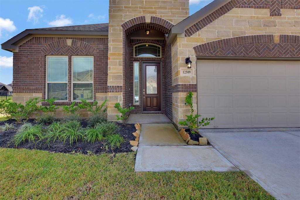 12509 Cumberland Drive, Texas City, TX 77568