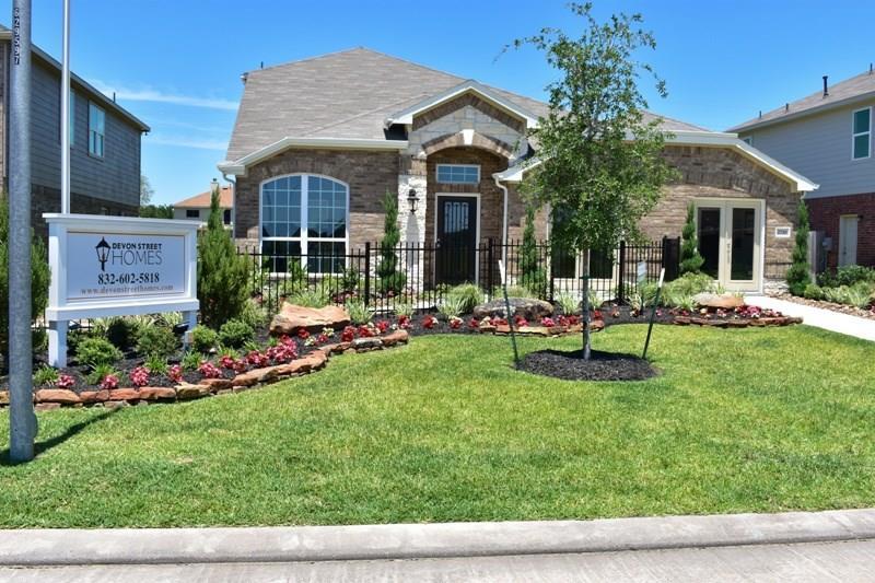 2710 Glenfield Manor Lane, Houston, TX 77014