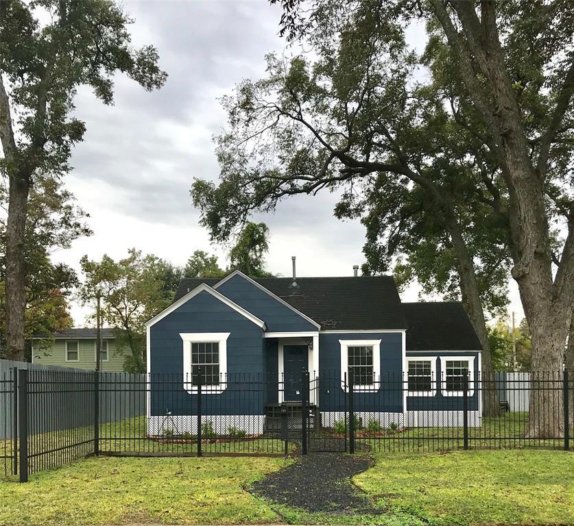 Har Com Houston Tx Rentals: 218 E 34th Street, Houston, TX 77018