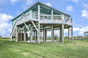 1391 Keith, Gilchrist TX 77617