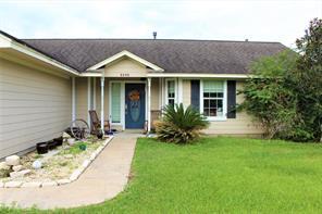 5206 2nd street, danbury, TX 77534