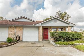 533 E Orange Street, Angleton, TX 77515