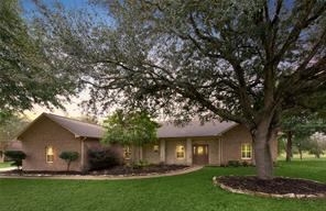 520 Pecan Grove Road, Sealy, TX 77474