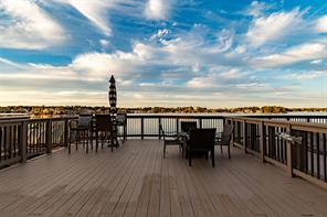 Back deck and views of Lake Conroe