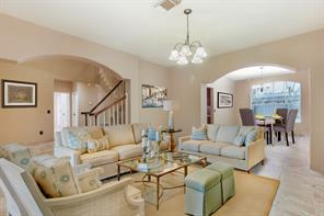 10 Whisper Wind Place, The Woodlands, TX 77382