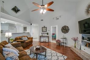 3215 Edgewood Drive, Dickinson, TX 77539