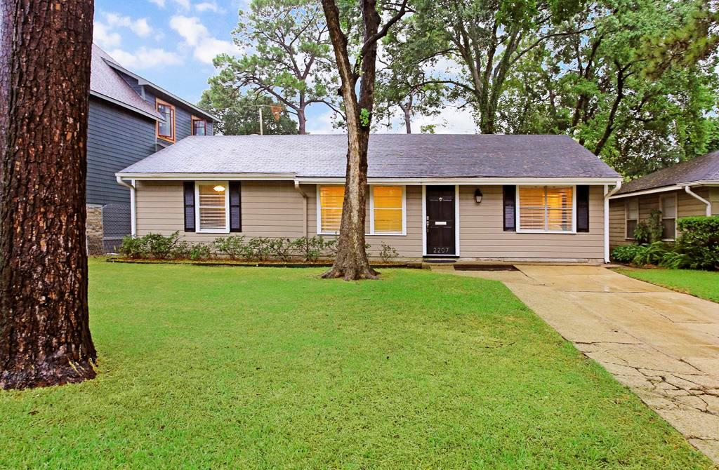 Oak Forest Updated 3 bedroom 1 bath + study single family home on a quiet tree lined street.Hardwood floors in living-bedroom areas, tile in kitchen and bath. Recessed LED lighting, ceiling fans,crown molding,neutral designer paint throughout.Large Eat in kitchen w/ granite counter-tops,stainless steel appliances including gas oven-stove, microwave, dishwasher, garbage disposal, stainless steel sink. Pantry + laundry room w/washer-dryer. Large fenced backyard w/storage shed. Available NOW!