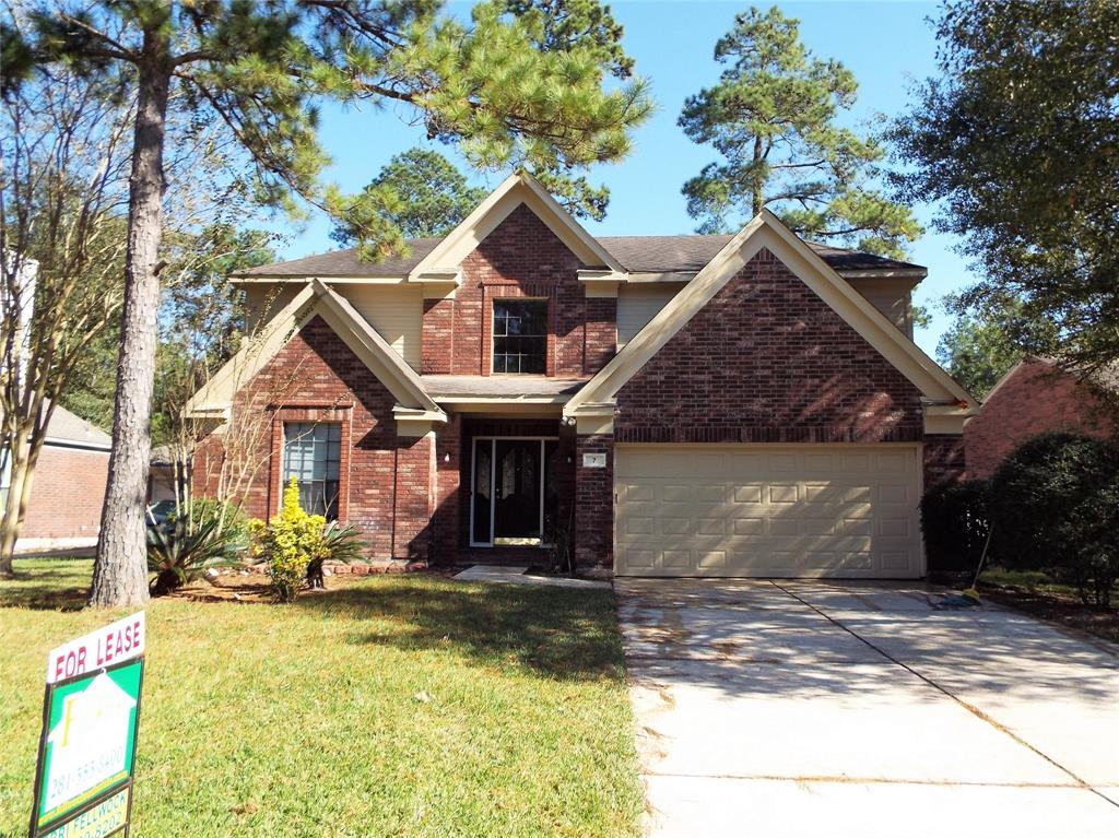 Fantastic 2 story home in Cochran's Crossing! Located in the heart of The Woodlands, close to schools, parks & shopping.  Beautiful 2 story entry, tile floors, spacious island kitchen with granite counters and lots cabinet space and a breakfast room; refrigerator stays. Family room has gas fireplace for those cool/COLD. Master suite down with his and her sinks and a HUGE walk-in closet. Game room & 3 spacious bedrooms up.