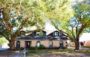 504 Old Bayou Drive, Dickinson, TX 77539