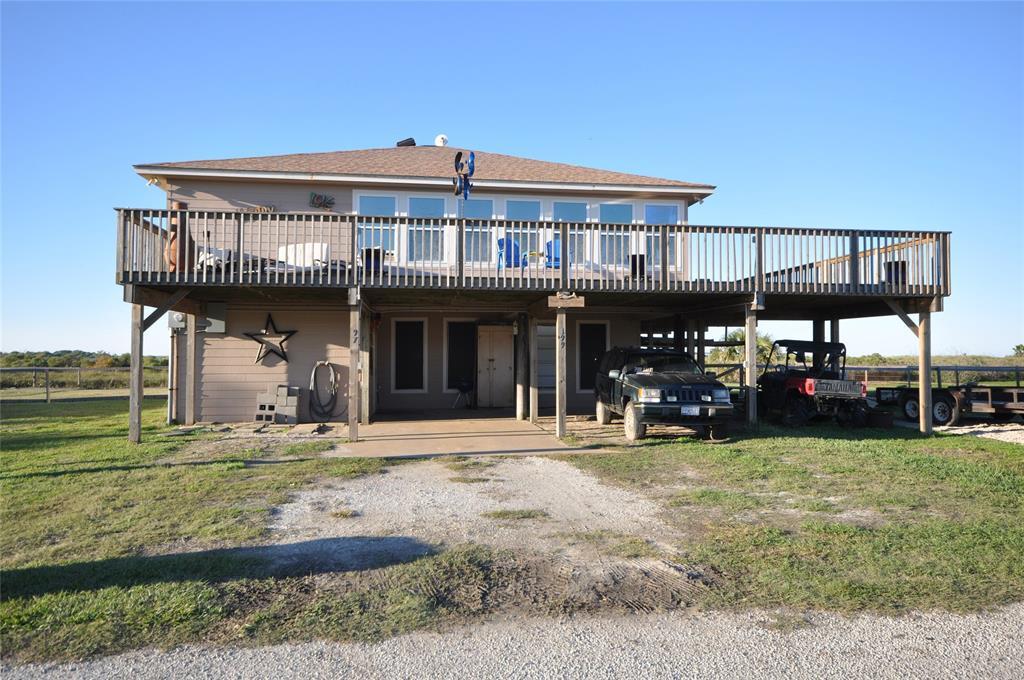 499 Beachfront Drive, Matagorda, TX 77457