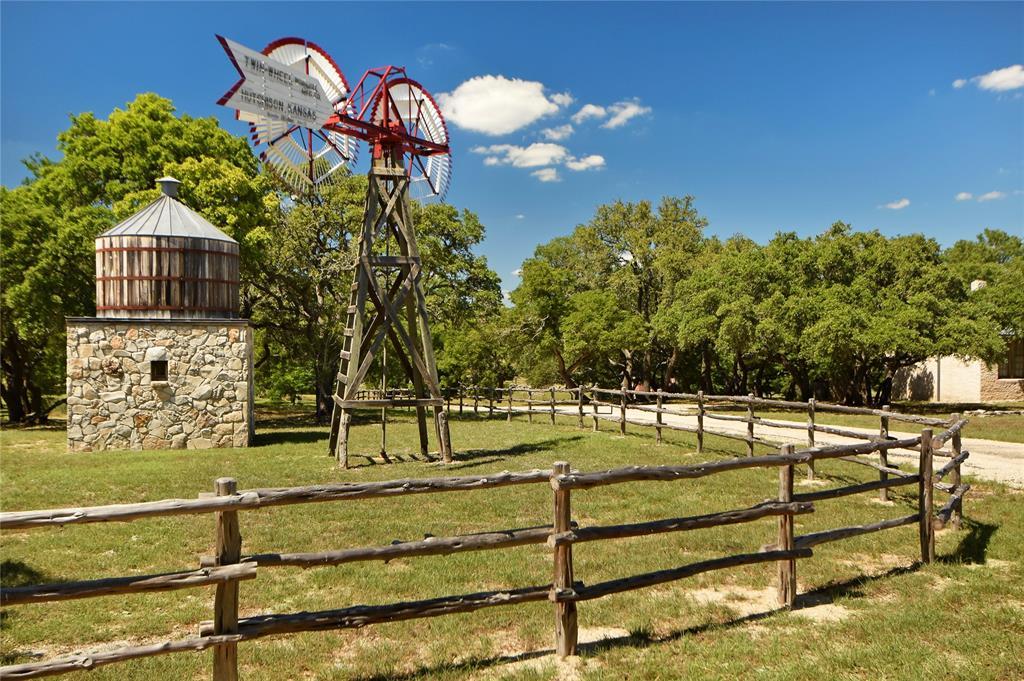 2475 Old Harper Road, Fredericksburg, TX 78624