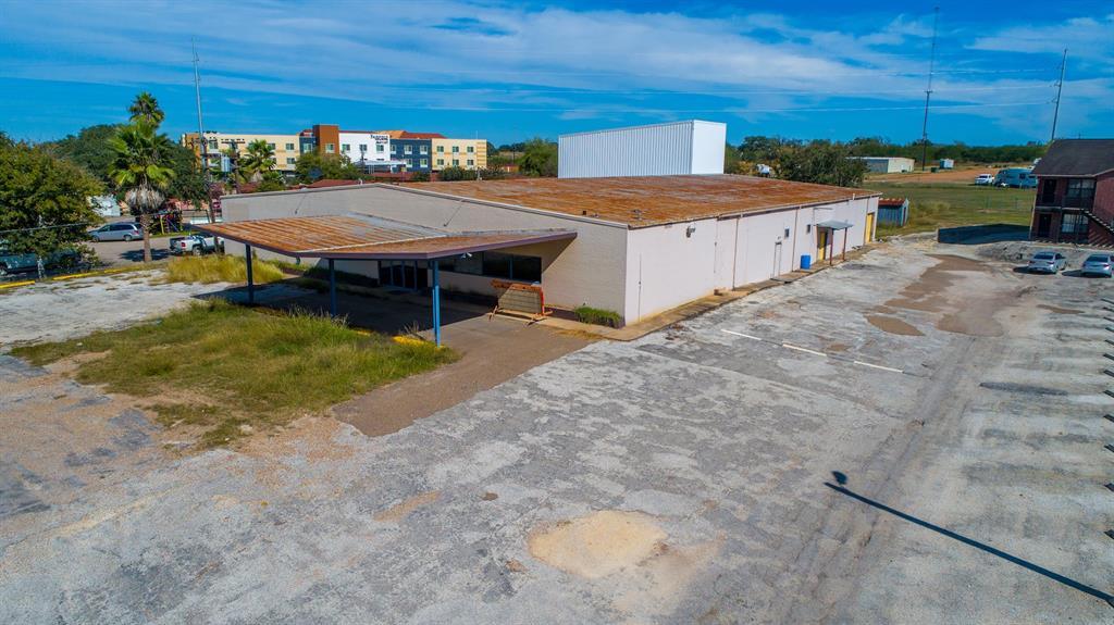2109 N Esplanade Street, Cuero, TX 77954