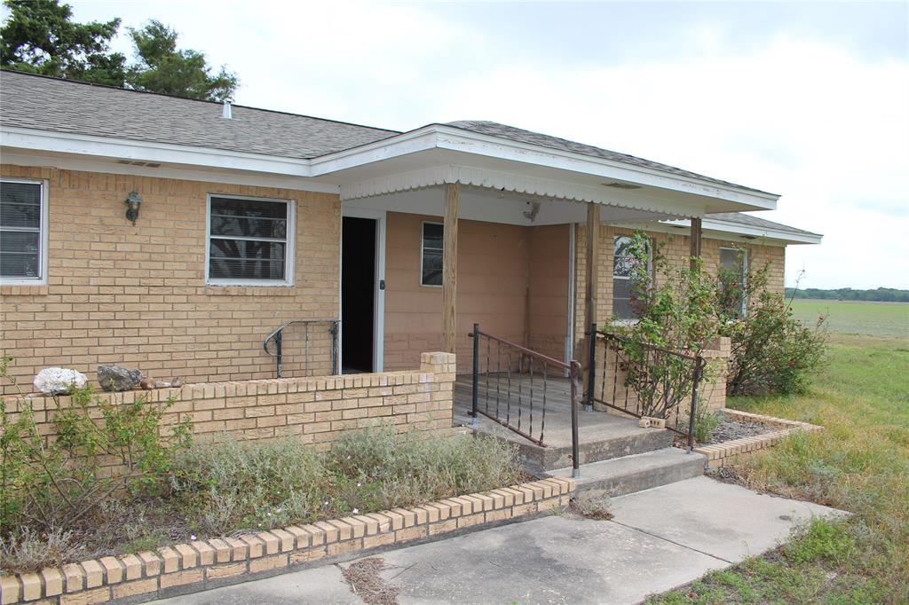 1866 N Fm 647 Road, Louise, TX 77455