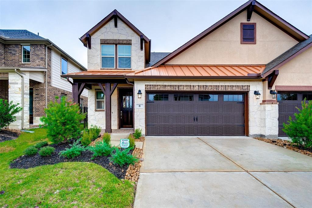 This brand new 3 bed 2 bath townhome in the heart of the The Woodlands features and open floor plan with a huge island kitchen. It comes with Washer, dryer and fridge and is ready for immediate move in. It also has a two car attached garage!