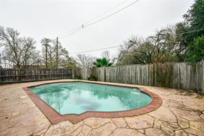 1001 oakridge street, brenham, TX 77833