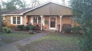 305 van winkle street, lake jackson, TX 77566