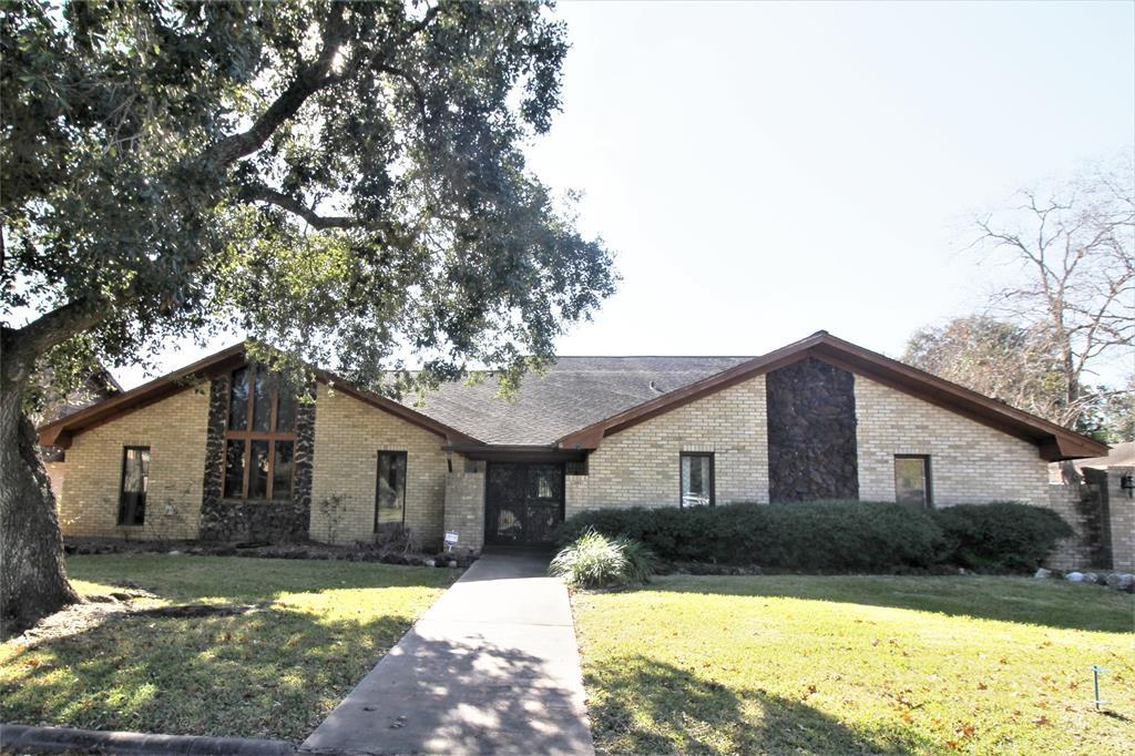 3404 Fairway Drive, Wharton, TX 77488
