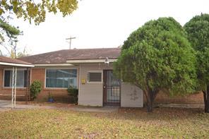 10642 bentley street, houston, TX 77093