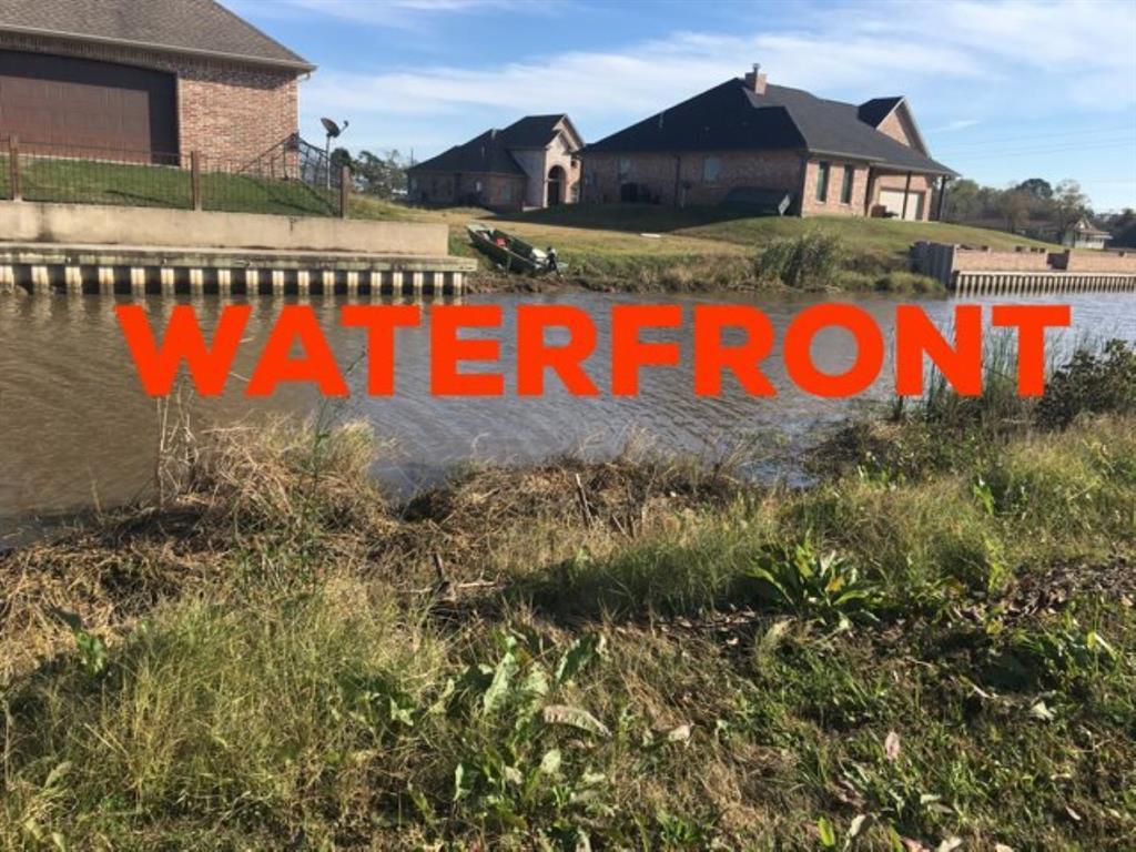 1235 Idylwood, Bridge City, TX 77611