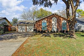 2526 Woodbough, Houston TX 77038