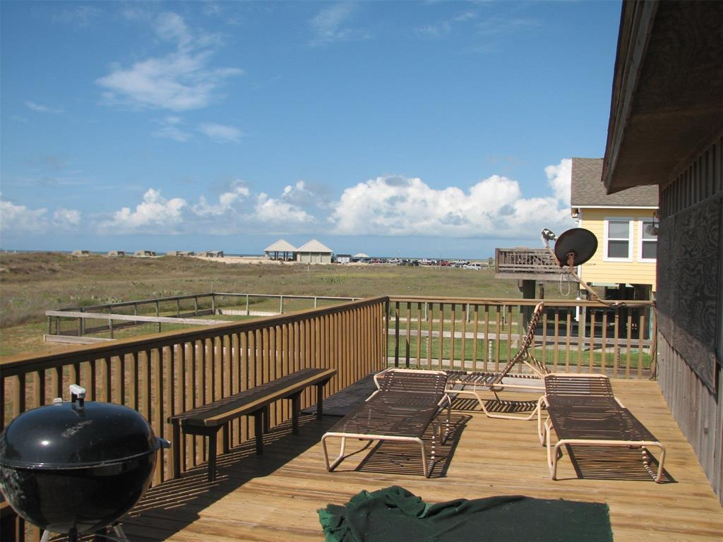 186 Beachfront Drive Avenue, Matagorda, TX 77457