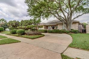 3214 freshmeadows drive, houston, TX 77063