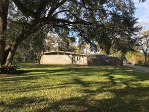 454 southern oaks drive, lake jackson, TX 77566