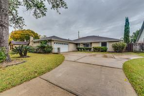 5702 Arncliffe, Houston TX 77088
