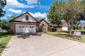 125 Jamestown, Clute TX 77531