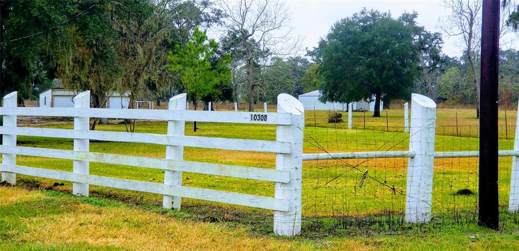 10308 County Road 321, Sweeny, TX 77480