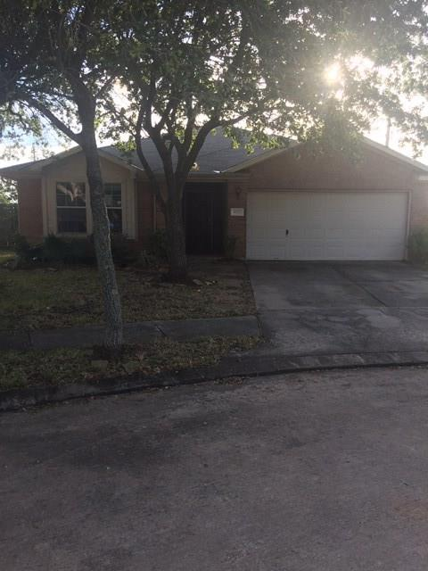 Nice 1 Story Single Family 3 bedroom 2 bath home featuring a breakfast room, study/library on a cul-de-sac